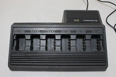 Motorola 6 Slots Bay Portable Radio Ntn4668a Battery Gang Charger Ac Power Cord