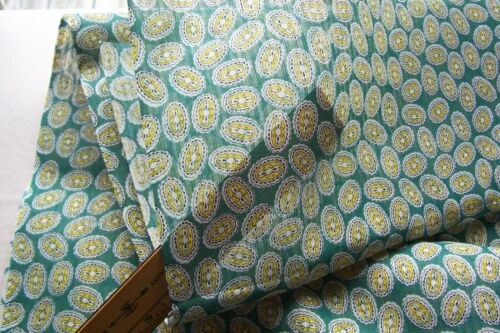 Vtg  Cotton Medallion Paisley Dress Weight Dimity Fabric 1940