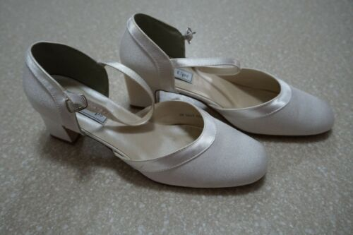 Touch Ups Ginger White Satin Sandals Size 9M