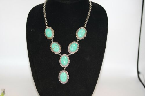 NAVAJO NECKLACE WITH FOX TURQUOISE, STERLING SILVER, SIGNED: EDDIE SECATERO