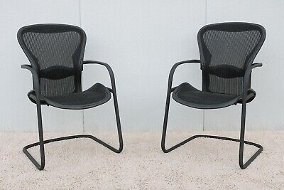 Herman Miller Ergonomic Aeron Side Guest Chairs Size B - A Pair