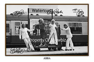 ABBA SIGNED POSTER - GREAT PIECE OF MEMORABILIA