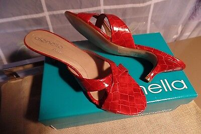 -  New Red patent leather reptile design Classic heels pumps Designer size 9.5