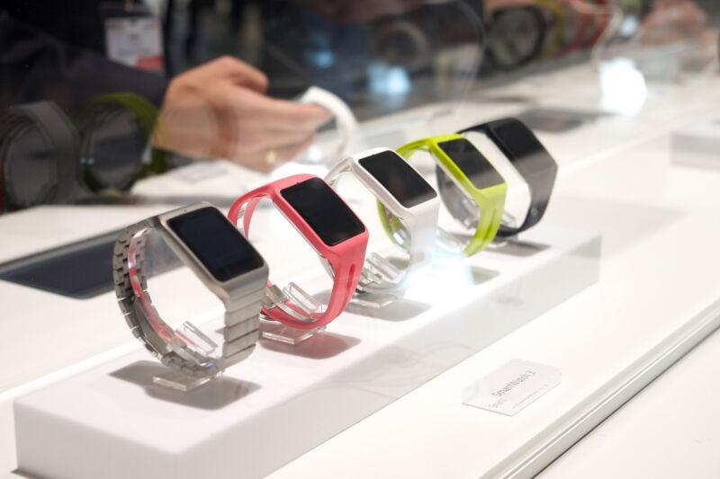 Sportlich, stylish, elegant: Welche Smartwatch gehört bald Ihnen? (Kārlis Dambrāns (CC BY 2.0))