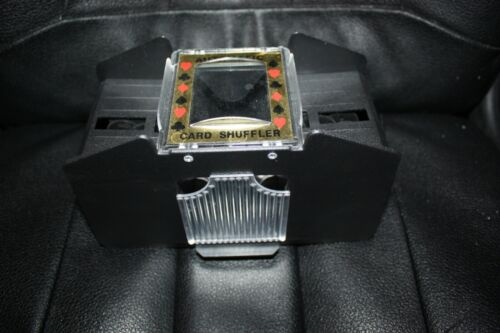 AKKO 4 Decks Automatic Battery Operated Card Shuffler Barely Used Excellent Con