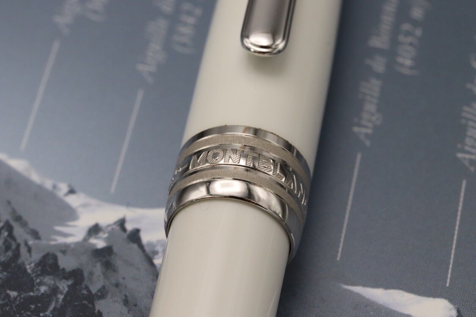 Montblanc Meisterstuck 163 Classique Tribute White Solitaire Rollerball Pen 6
