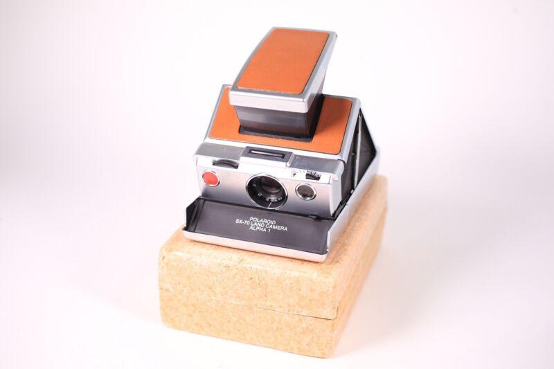 TESTED Near MINT Vintage Polaroid SX-70 Land Camera Alpha 1 Brown USA Seller