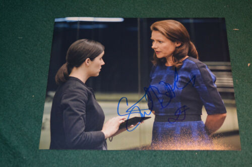 SIDSE BABETT KNUDSEN signed Autogramm  In Person 20x25 cm WESTWORLD