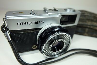 Old Vintage OLYMPUS TRIP 35 Compact 35mm Film Camera