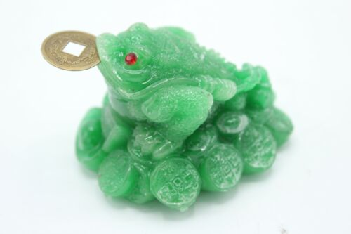 Small Green Jade Resin Feng Shui 3 Legged Money Frog Toad, for Wealth, Good Luck
