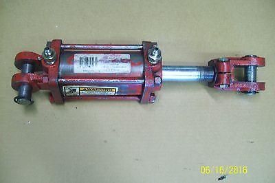 Chief Hydraulic Cylinder 3 Bore 4 Stroke 1.25 Rod 2500psi