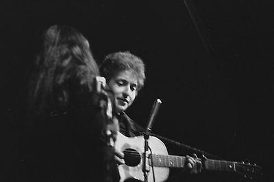 Bob Dylan with Joan Baez 4x6 Vintage 60's Photograph at folk concert #7B