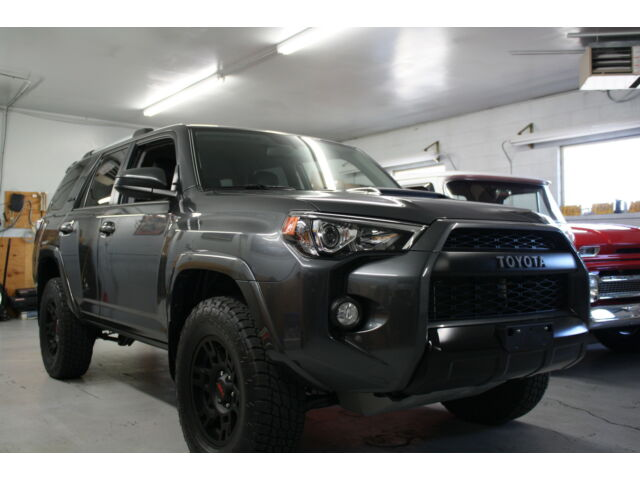 4runner trd pro with only 15 miles 2016 used toyota. Black Bedroom Furniture Sets. Home Design Ideas