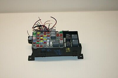 06 CADILLAC DTS UNDER REAR SEAT INTERIOR FUSE POWER DISTRIBUTION BOX
