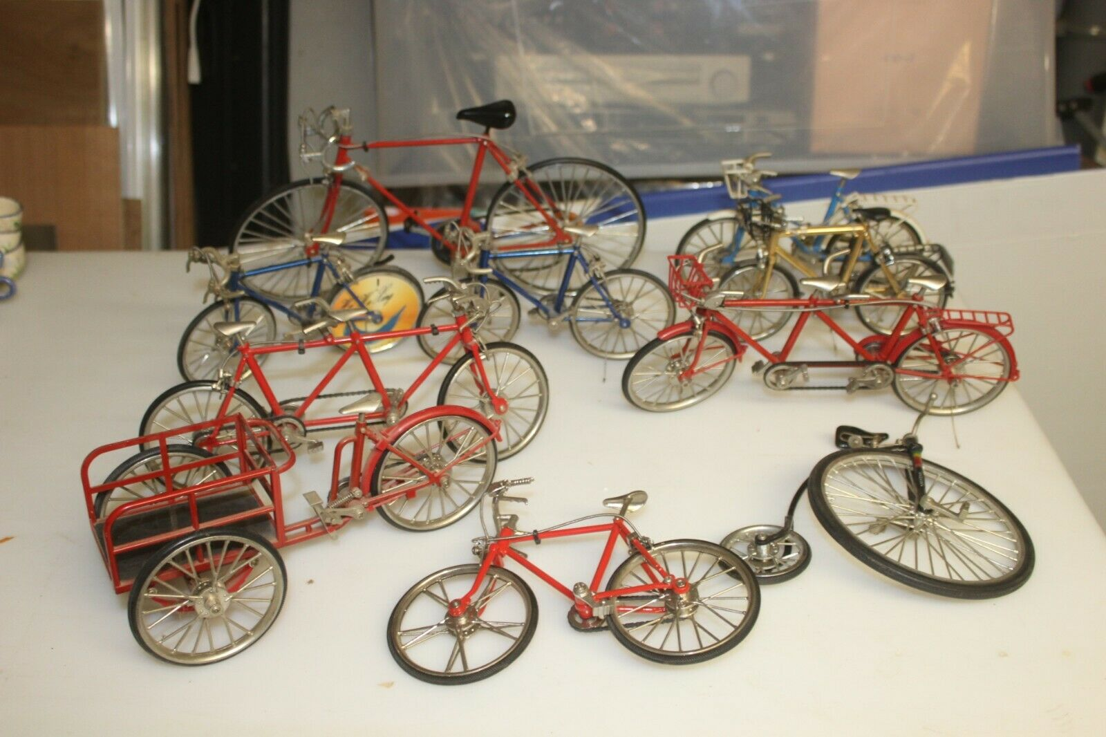 Lot 10 vélos bicyclettes 1/10 métal miniature collection