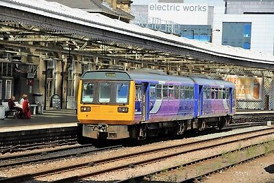 142028 Arriva Northern 6x4 Quality British Rail Photo