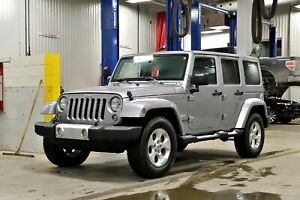 2014 Jeep Wrangler Unlimited Sahara * 2 TOITS * HITCH * GPS * FU