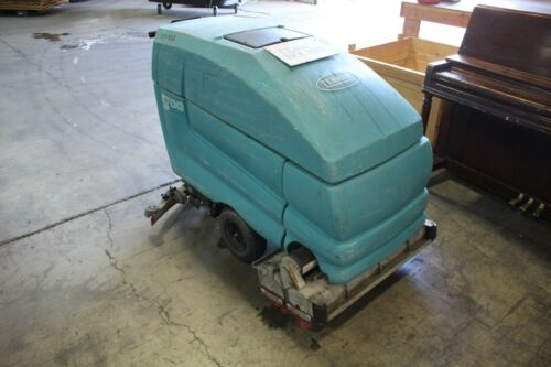 "Tennant 5700 XP 32"" Cylindrical Walk Behind Floor Scrubber"