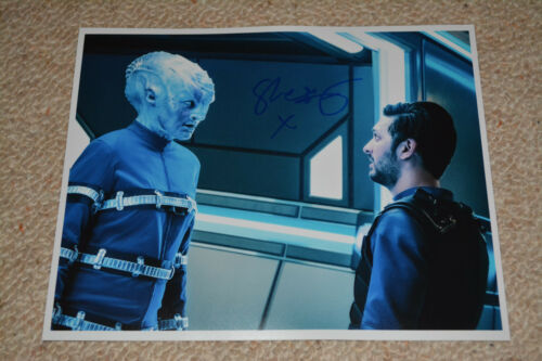LATIF SHAZAD signed Autogramm In Person 20x25 cm STAR TREK DISCOVERY Ash Tyler