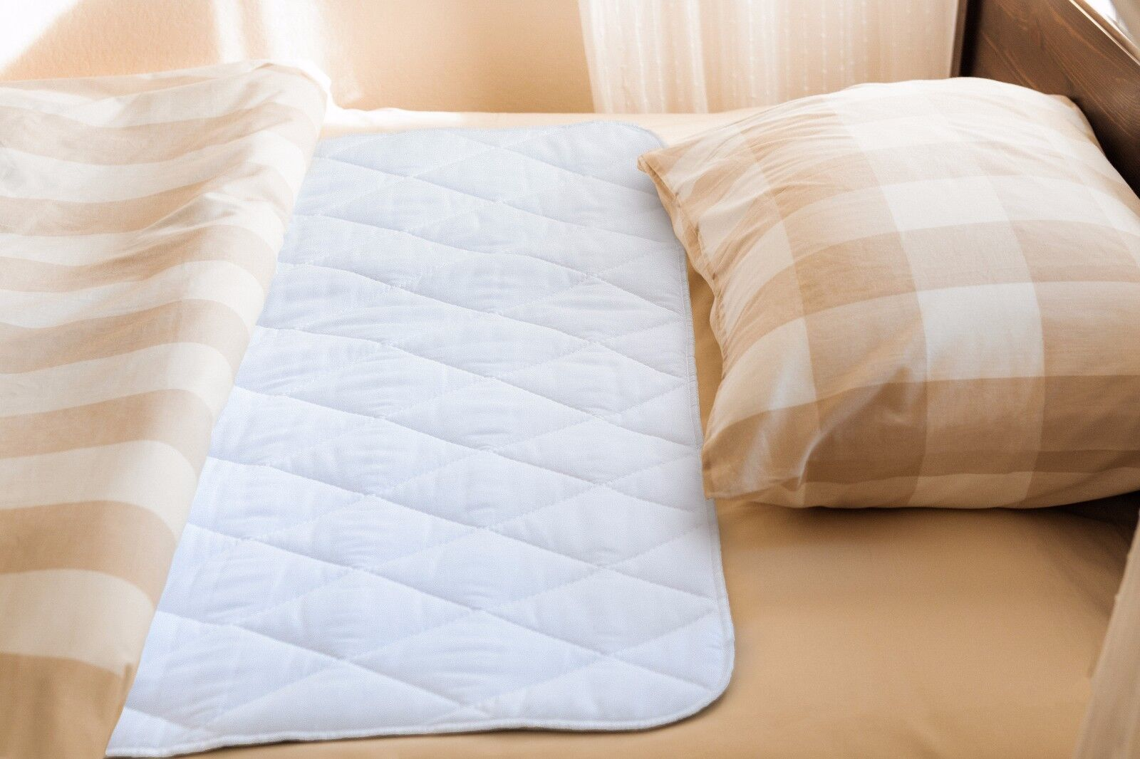 "Reusable Waterproof Bed Pad & Sheet Protector - 34"" x 52"" inches Underpad"