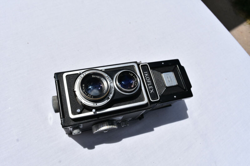 IKOFLEX ZEISS IKON 1:3.5 F=75MM TLR Nice Condition