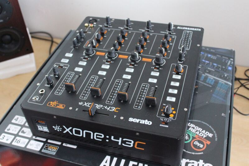 MINT CONDITION Xone:43C 4+1 Channel DJ Mixer with Soundcard