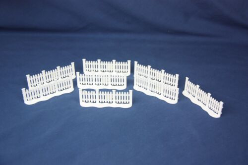 """Lefton Christmas Village Holiday White Fence 8 Pieces Snow at Base 4"""" x 1 1/2"""""""