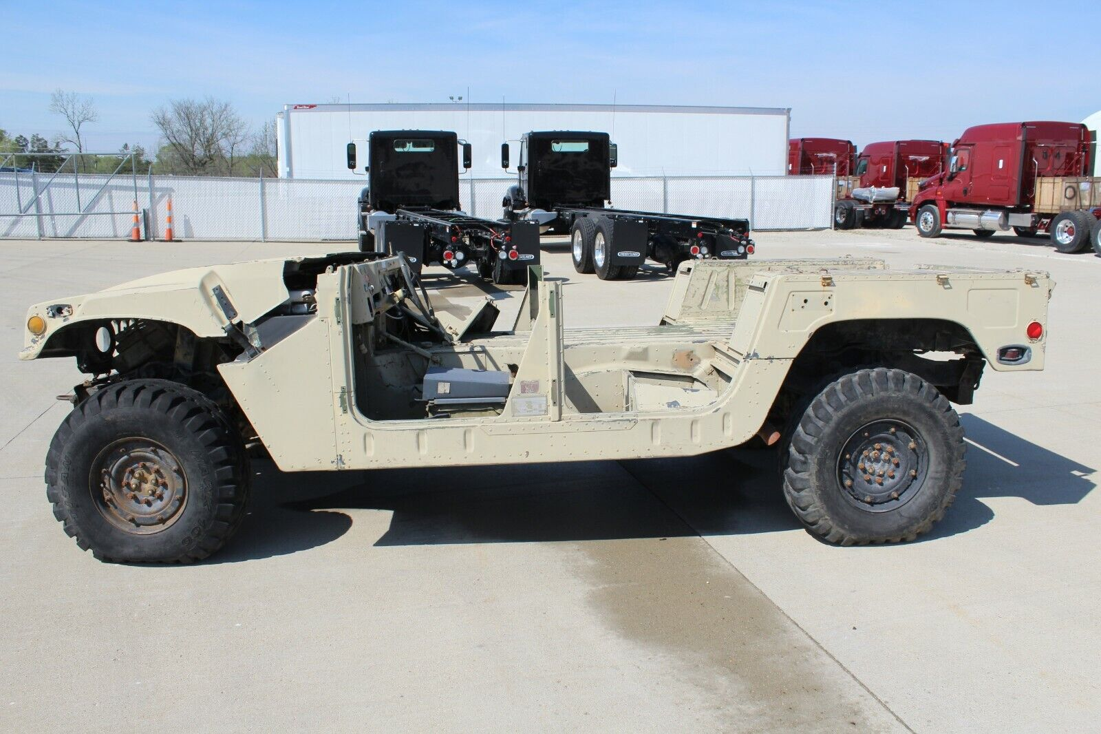 M998 HMMWV body and chassis builder with title
