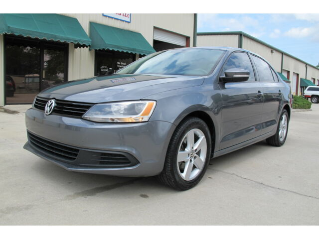 Volkswagen : Jetta 4dr DSG TDI 2011 VW TDI Diesel Saden RunsGreat Low  Miles Fl Car Like New Low reserve &Price