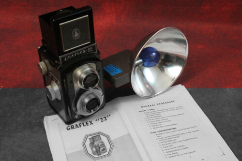 Antique 1952 Graflex 22 With Flash Beautiful Operating Condition-Nice Show Case