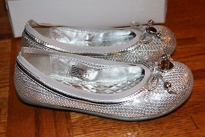 Silver Mary Janes For Girls (Sandals For Girl, Size 2 Youth.New With Tag. In the Original)