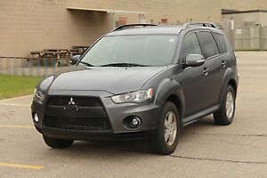 2010 Mitsubishi Outlander LS ONLY 82K   4WD   Leather   Sunroof