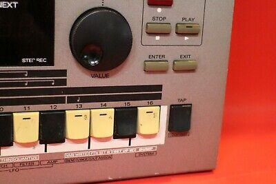 USED Roland MC-303 Groove Box Drum Machine Synth  mc 303 U1134 201127