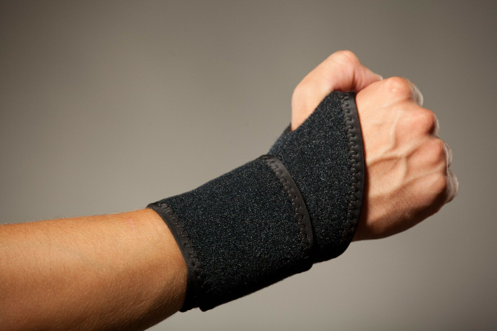 Hochwertige Handbandage, Handgelenkstütze, Handbandagen aus Neopren