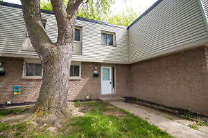 **NEWLY RENOVATED** 3 Bedroom Townhouse!!