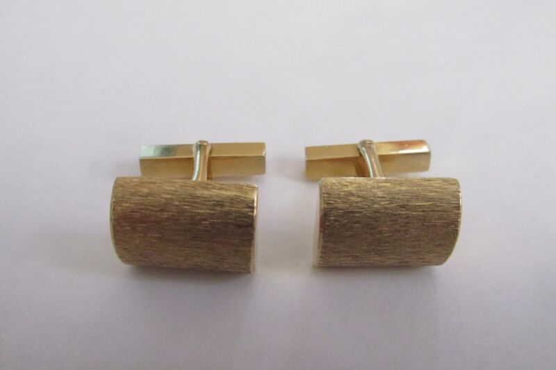 TIFFANY & CO  VINTAGE 14 KARAT YELLOW GOLD CUFFLINKS