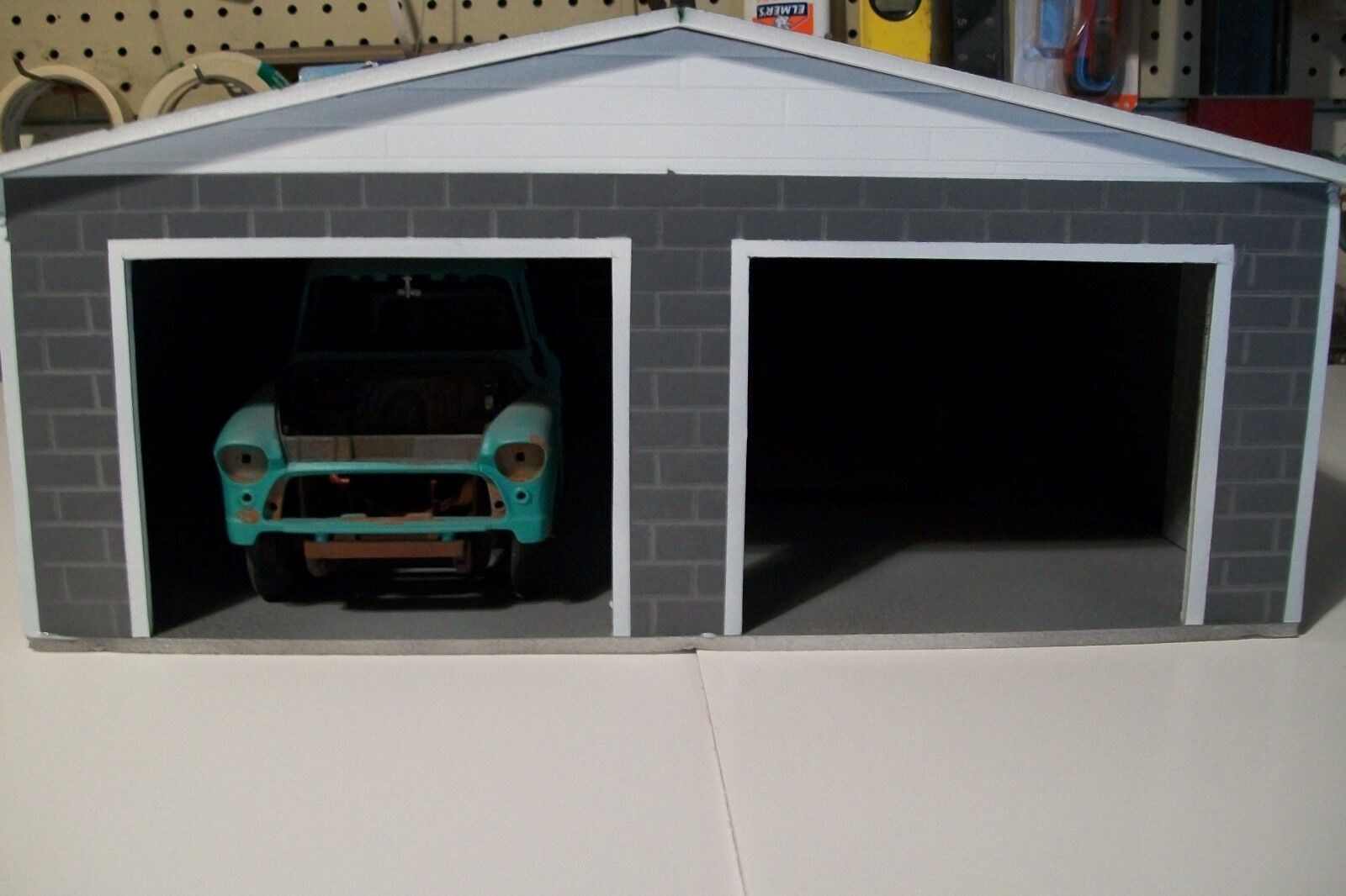 """MUST BE ASSEMBLED"" 2 CAR GARAGE  FOR 1:24 SCALE DIECAST BY:"