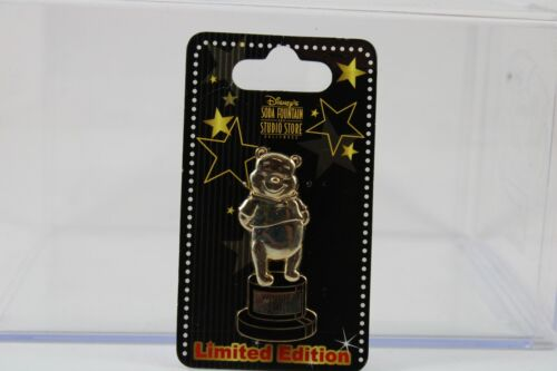 Disney DSF DSSH Pin Trading Event Winnie the Pooh Trophy Statue Oscar Gold
