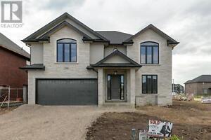 941 CHATEAU Windsor, Ontario