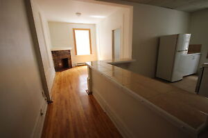 Spacious 4.5 available July 1st - ATWATER - DOWNTOWN