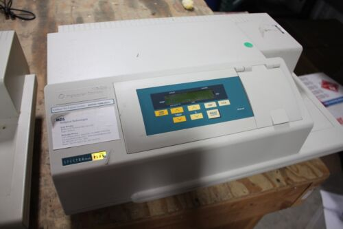 Molecular Devices Spectramax Plus 384 Microplate Spectrophotometer WORKING