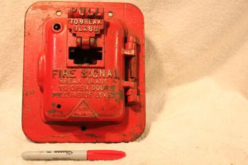 VINTAGE EDWARDS 1282 FIRE SIGNAL ALARM 1261-2 PULL TO BREAK GLASS & OPEN DOOR