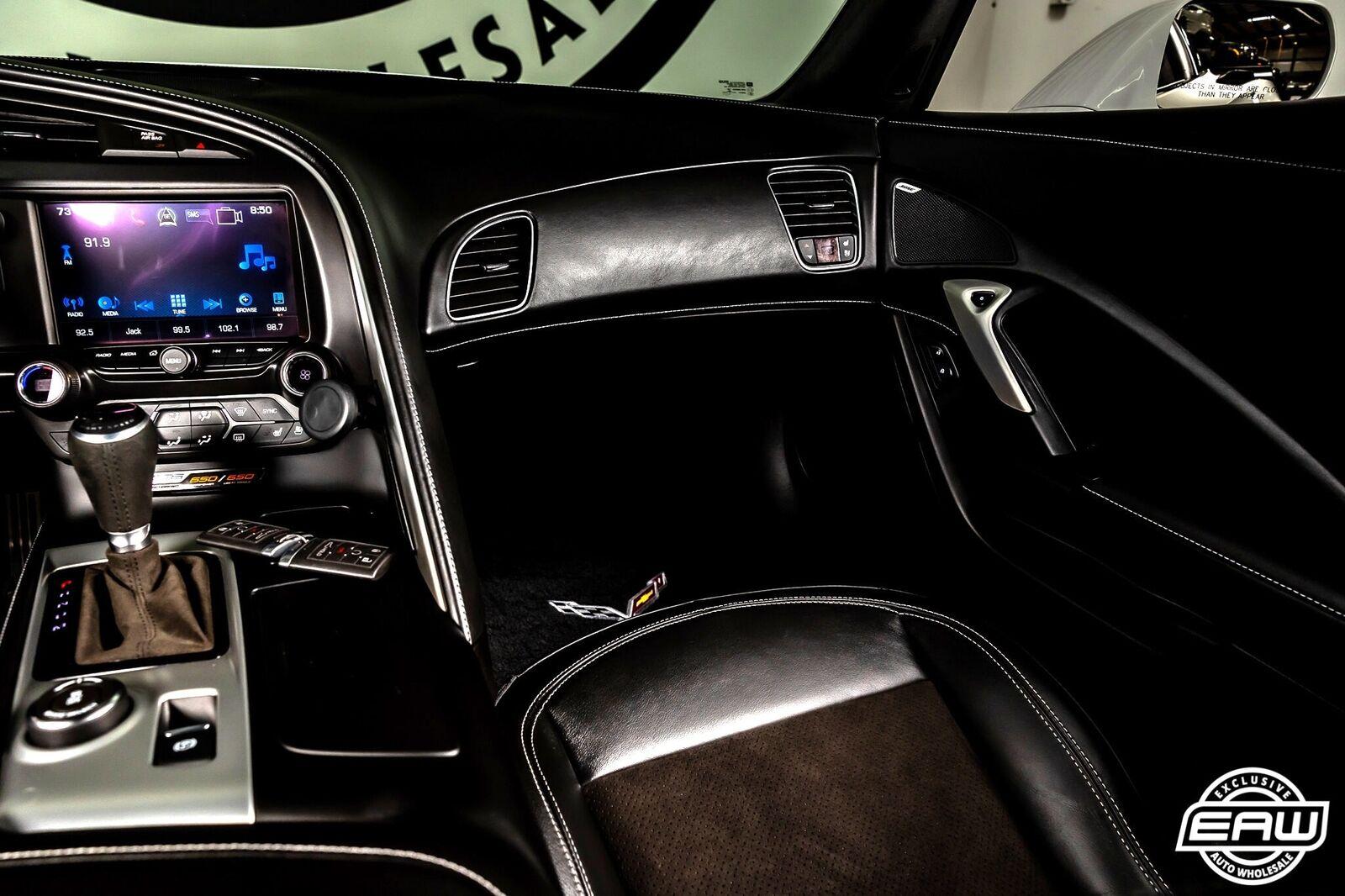 2016 White Chevrolet Corvette Z06 3LZ | C7 Corvette Photo 8