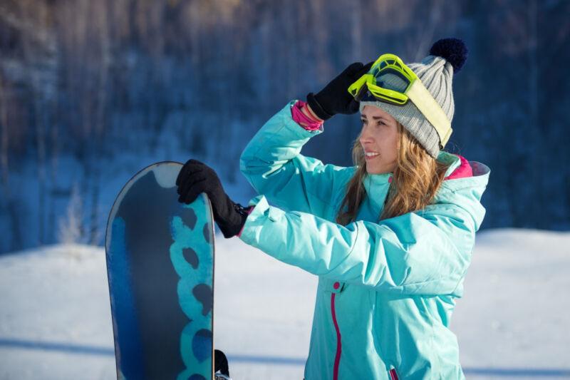 Top-Schnäppchen: Gebrauchte Snowboardjacken für Herren, Damen und Kinder. (Foto: Thinkstock)