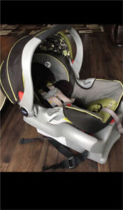 Graco car seat. 2 bases included