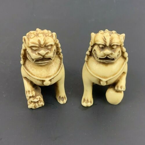 Miniature Foo Dogs Pair White Resin Chinese Palace Guardian Lions Figurines
