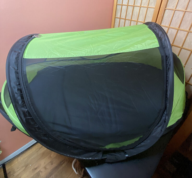 KidCo Baby Pea Pod Infant/Child Screened in Travel Bed/Tent in Kiwi Green
