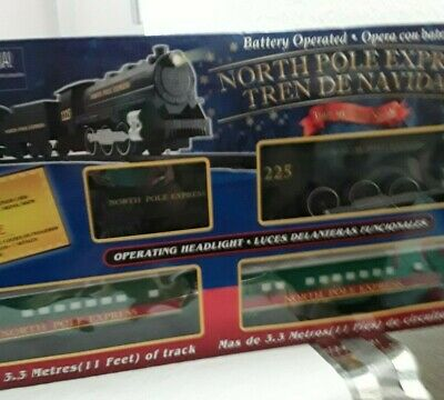 EzTec 29 Piece North Pole Express Christmas Train Set Battery Operated Toy NEW