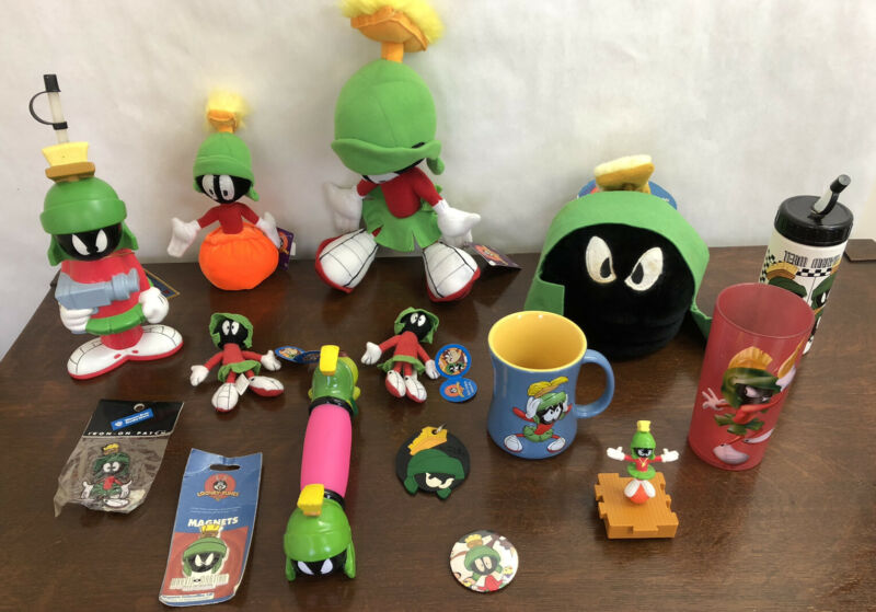 Marvin The Martian Lot Of Plush, Mug, Magnet, CD Holder Plush, Cups,Looney Tunes