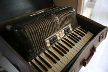 Hohner Verde III M Vintage Piano Accordion + Case Ingleburn Campbelltown Area Preview
